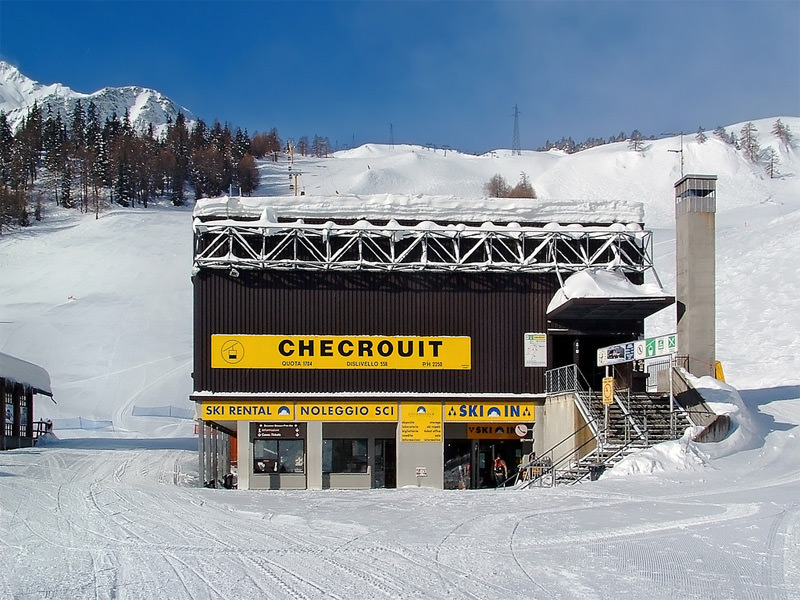 SKI IN Checrouit